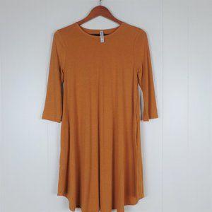 Three Quarter Sleeve Dress SM